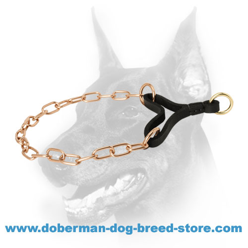 Doberman dog collar with fur-saving links