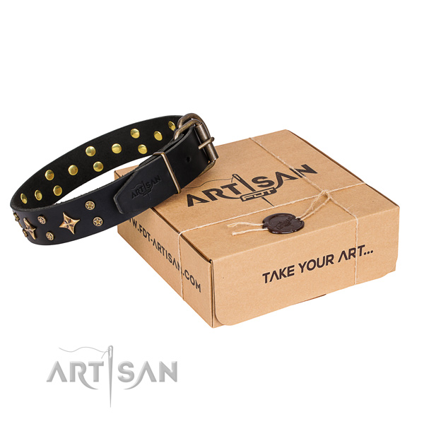 Decorated natural genuine leather dog collar for comfy wearing