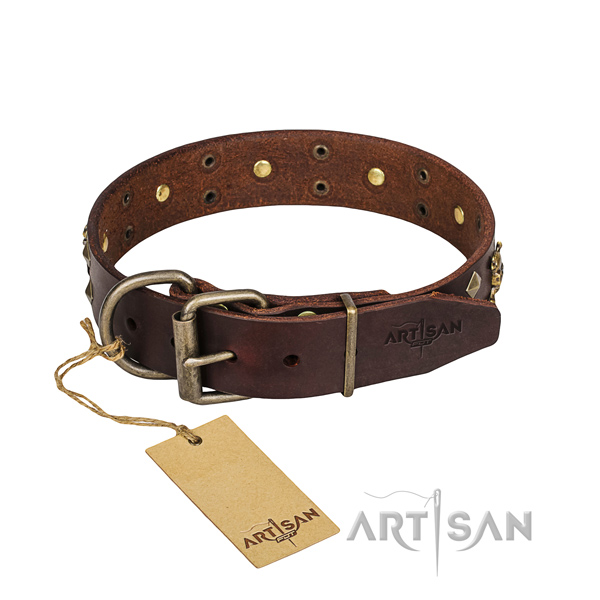 Leather dog collar with thoroughly polished edges for convenient strolling