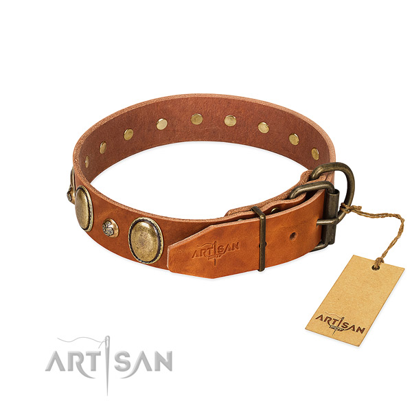 Top quality genuine leather dog collar with rust-proof traditional buckle