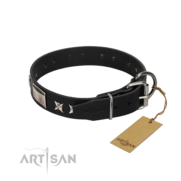 High quality genuine leather dog collar with strong traditional buckle