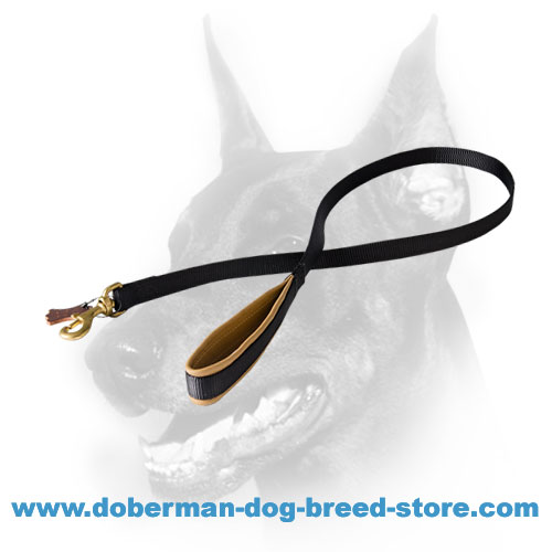 Convenient doberman dog leash with Nappa Leather on handle